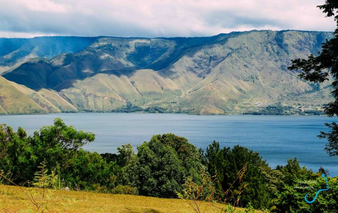 Hồ Toba nhìn từ Samosir